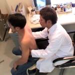【ゲイ動画 pornhub】ゲイが高じて肛門科の医師免許を取ったホモ医者…問診にやって来たマッチョイケメンをアナル拡張ファック!