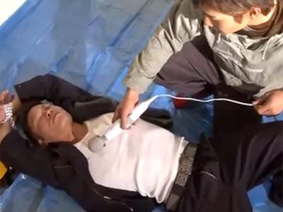 【ゲイ動画 pornhub】土建屋のヤンキー先輩が寝ている隙にゲイの後輩がアナルレイプ!