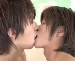 【ゲイ動画 pornhub】禁断の近親相姦!!顔も体系もちんこの長さまで一緒の双子兄弟がケツマンを掘り合う!!