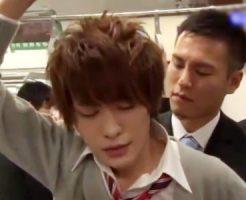 【ゲイ動画 pornhub】ゲイリーマンに狙われたイケメン高校生の悲劇・・・電車内で問答無用で強制痴漢レイプ!