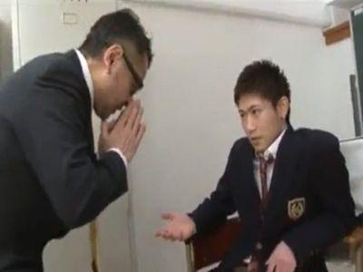 【ゲイビデオ】男士高校生の鞄から下着を盗む変態教師とDKの攻防セックス
