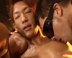 【ゲイ動画 fc2】気持ちよすぎてチンピク止まらないwノンケイケメンがアナルファックぶっかけ3Pでゲイ覚醒!