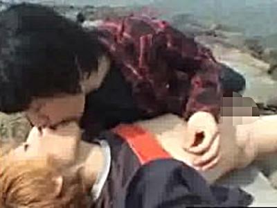【無料ゲイ動画】ねぇ、ヌいてあげよっか?さわやかイケメン青姦デートで野外露出手コキにフェラのボーイズラブゲイセックス