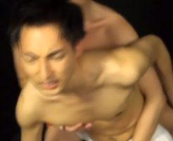 【ゲイ動画 pornhub】イった後も止まらないちんぴく!発情した淫乱男子、ジュボフェラして高速ピストンアナルファック!