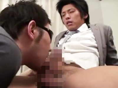【ゲイビデオ】ケツ穴、ちんぽがザーメンまみれ!イケメンリーマンがスーツ着衣で快楽中出しアナルファック!