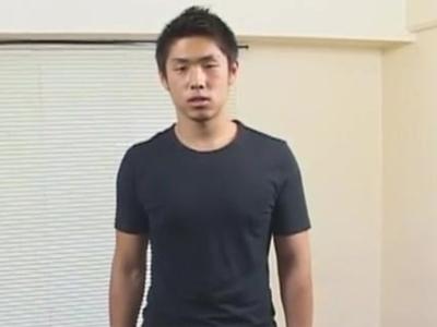 【ゲイビ無料】中尾 明慶似?!の素人スポメンが亀頭を赤く染めギンギン勃起で手コキ絶頂ザーメン発射