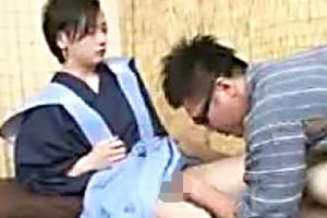 【ゲイ動画 erovideo】モデル級可愛いイケメンが、殿様コスプレで家臣にゲイセックスご奉仕させてトロ顔でケツ穴掘られる