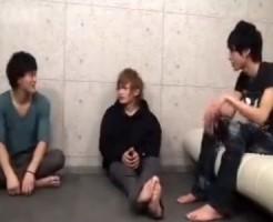 【ゲイ動画 pornhub】イケメン×イケメン×イケメン!3人ともアイドル級にかっこいい男前BOYSが男同士で初めての3Pセックス!