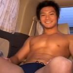 【無修正 ゲイ動画 pornhub】身長185cm・78kgの二十歳のアイドルフェイスのイケメン君が車内で初男フェラ!