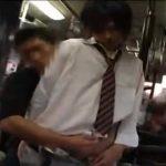 【ゲイ動画 pornhub】城田優似のイケメン高校生が下校中のバスでゲイ痴漢されている衝撃映像!
