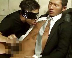 【ゲイ動画 xvideos】ちょい悪イケメンなデカマラリーマンがスーツを着たままフェラと手コキで雄絶頂でザーメン発射