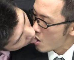 【無修正 ゲイ動画 pornhub】先輩のケツ穴ください・・・優しい上司に欲情!オフィスでアナルファック