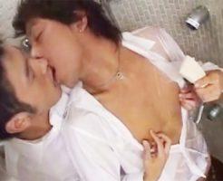 【gotporn ゲイ動画】イケメンBLカップルがシャワールームでフェラチオ、雄愛撫の後はいやらしく音たてアナルセックス