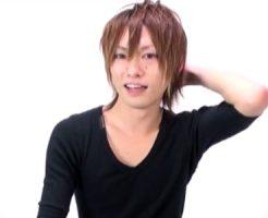 【無修正 ゲイ動画】アイドル級のルックスのジャニ系イケメンがカメラ目線で厭らしくチンポを頬張り、フェラと手コキのご奉仕プレイ